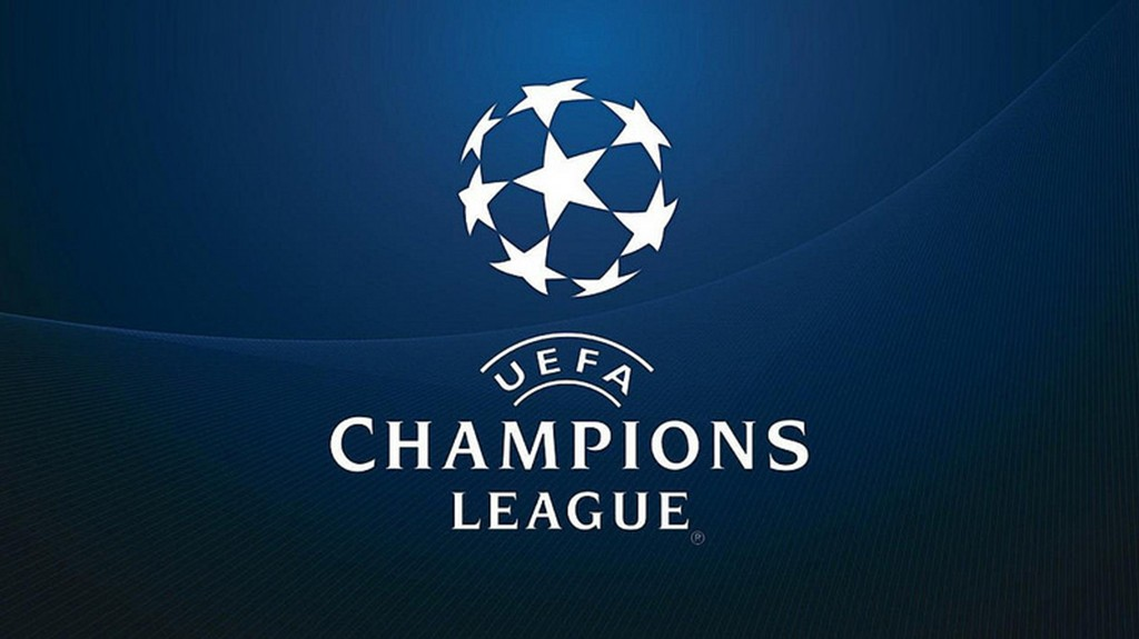 Football : Champions League at the Essengo Bar